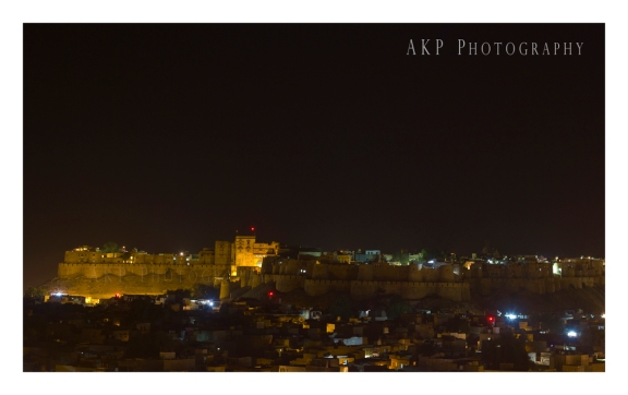 Sonar Kella and the Golden City of Jaisalmer by night...